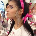 Pormenor da maquilhagem da vencedora, Diana Pereira, inspirado no frasco do primer Stay Flawless, da Benefit