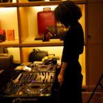 Recentemente, num evento da Louis Vuitton, onde pôs a música.