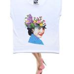 T-shirt A New Day, de Margarida Girão.