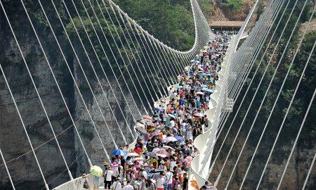 maior e mais longa ponte de vidro na china