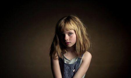 """campanha """"Nenhuma criança deve crescer sozinha"""" Aldeias de crianças SOS"""
