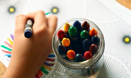 Crianças que passam muito tempo na creche são mais stressadas
