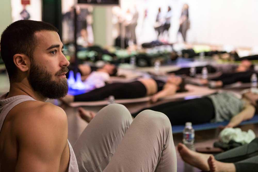 patrick beach – fazer yoga melhorar a vida