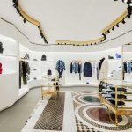 O design junta referências da arquitetura tradicional italiana e o lado mais contemporâneo da marca de luxo.