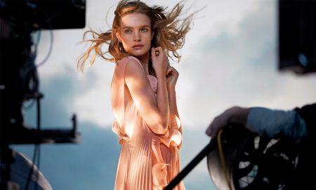 vestido feito garrafas de plástico H&M conscious exclusive