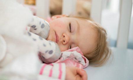 Crianças. Não dormir a sesta é tão grave como não comer