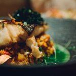 Bacalhau, grelos e broa. Bacalhau fresco com caldeirada de batata e bacalhau seco em sopa de grelos