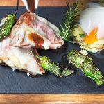 Naco de novilho, ovo a baixa temperatura e aromas serranos