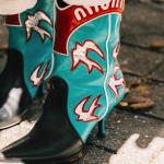10 look's com Texanas para se inspirar no seu dia-a-dia
