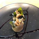 Gunkan de lírio dos Açores, wakame hidratado, amêijoa ao bulhão pato