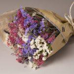Ramo de flores desidratadas tons lilás, €15