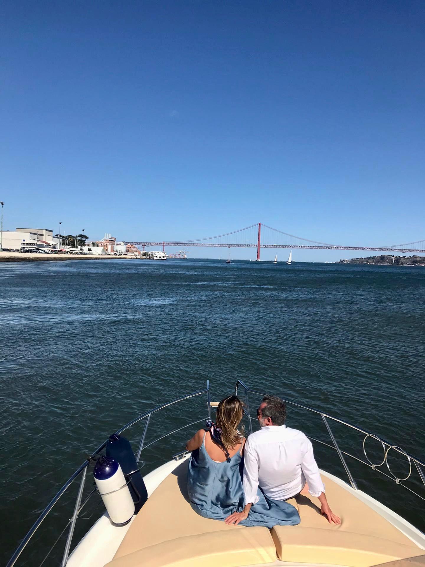 casal boat tour Faina